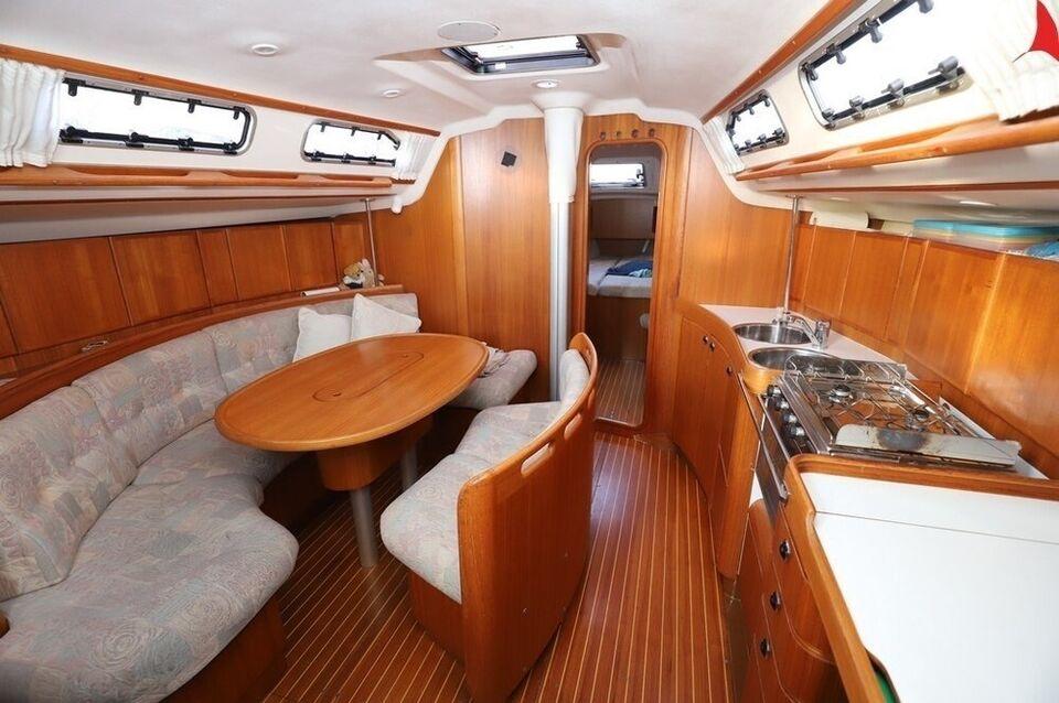 X 382, Modern, 2 cabin