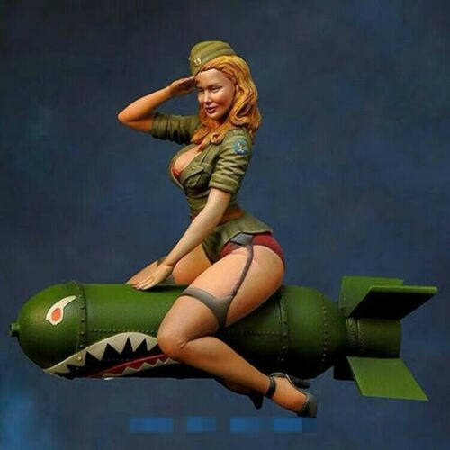 1//24 Scale Girl Sitting Above the Bomb Figure Model Resin Garage Kit Unpainted