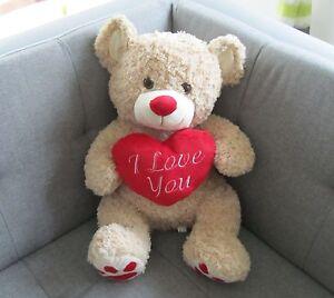 riesen teddyb r kuschelb r pl sch mit herz hellbraun 26688 h ebay. Black Bedroom Furniture Sets. Home Design Ideas