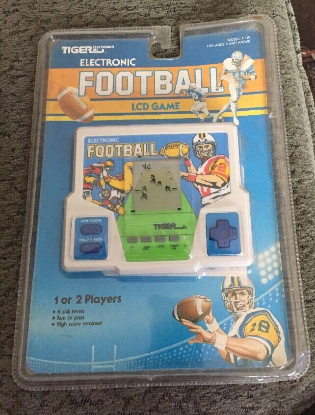 Tiger Electronics 1989 Electronic Football Model 7-740 NEW