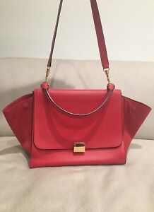Image is loading Celine-Red-Pebbled-Leather-and-Suede-Medium-Trapeze- 1c09c360e40db