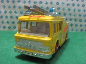 Vintage-E-R-F-AIRPORT-FIRE-RESCUE-TENDER-Dinky-toys-263-MIB