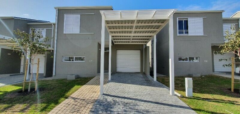 Unit 64 - 3 Bedroom 2 Bathroom Townhouse for Sale in |Somerset Lakes Secure Lifestyle Estate|