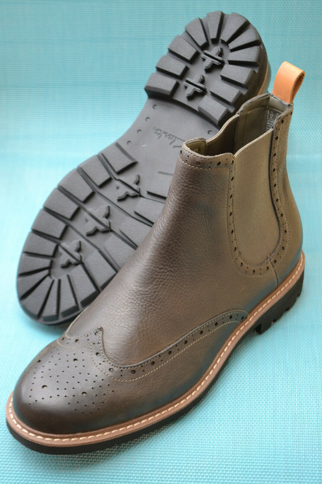 Clarks BNIB Mens Chelsea Boots BATCOMBE TOP Taupe Leather UK 8 / 42