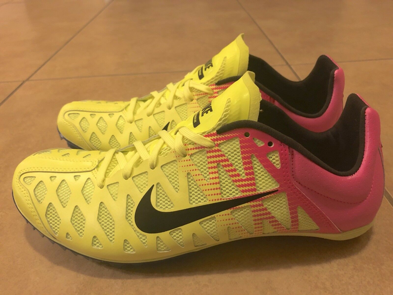 ce494d29ee5c ... Nike Mens Zoom Maxcat 4 Sprint Track Field Field Field Spikes Volt Pink  549150-999 ...