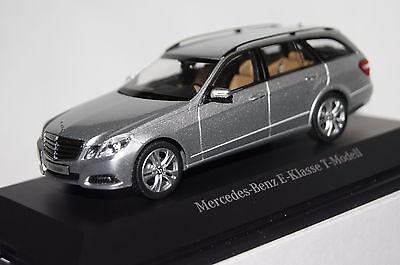 Mercedes E-Klasse T-Modell 2012 blau 1:43 Schuco//Mercedes neu /& OVP B66962436