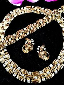 1948 CROWN TRIFARI RHINESTONE GOLDTONE WOVEN NECKLACE BRACELET CLIP EARRING SET