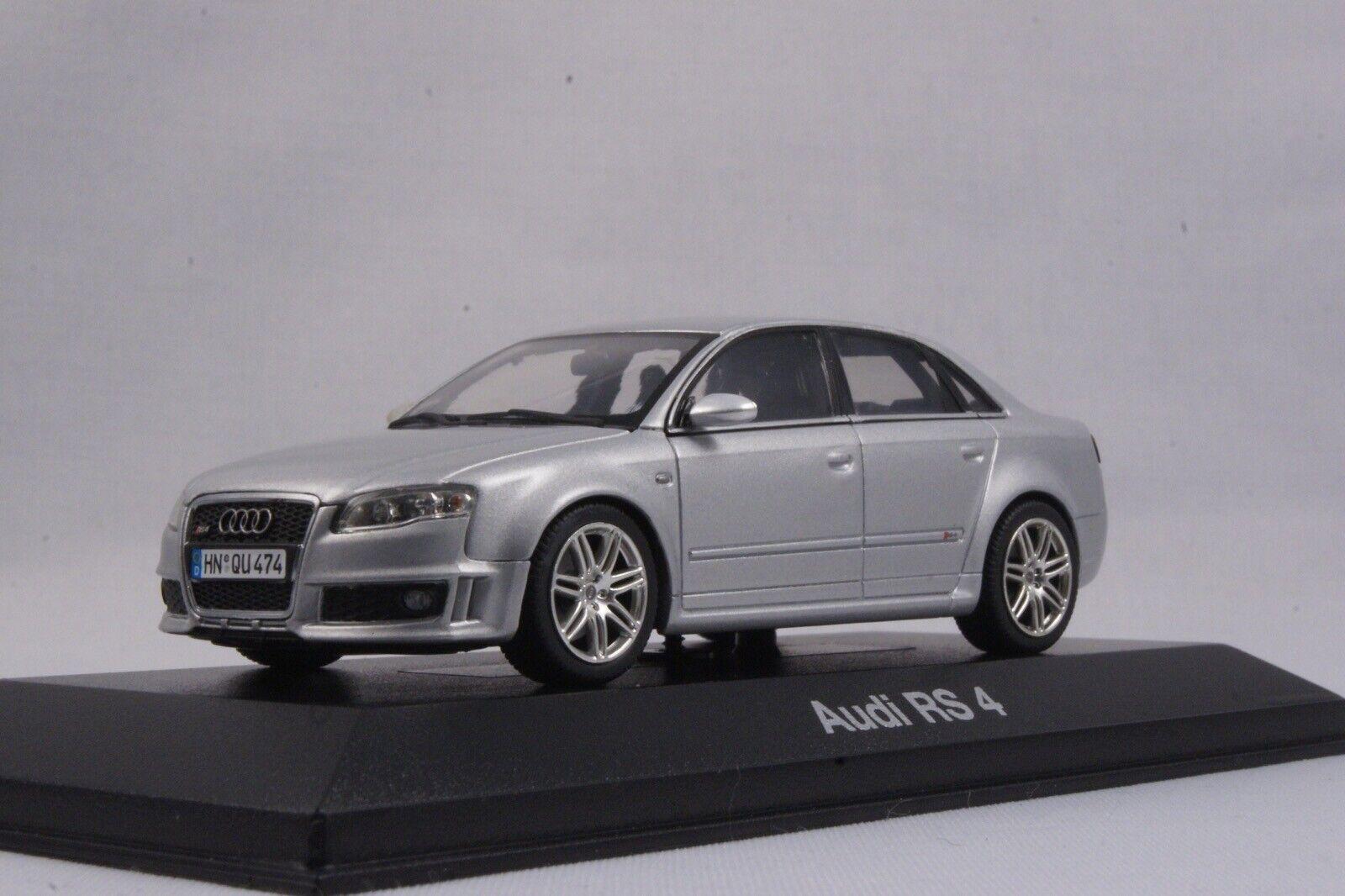 Audi collection 1 43 - RS4 (B7) 2005-2009 Lichtsilber MINICHAMPS