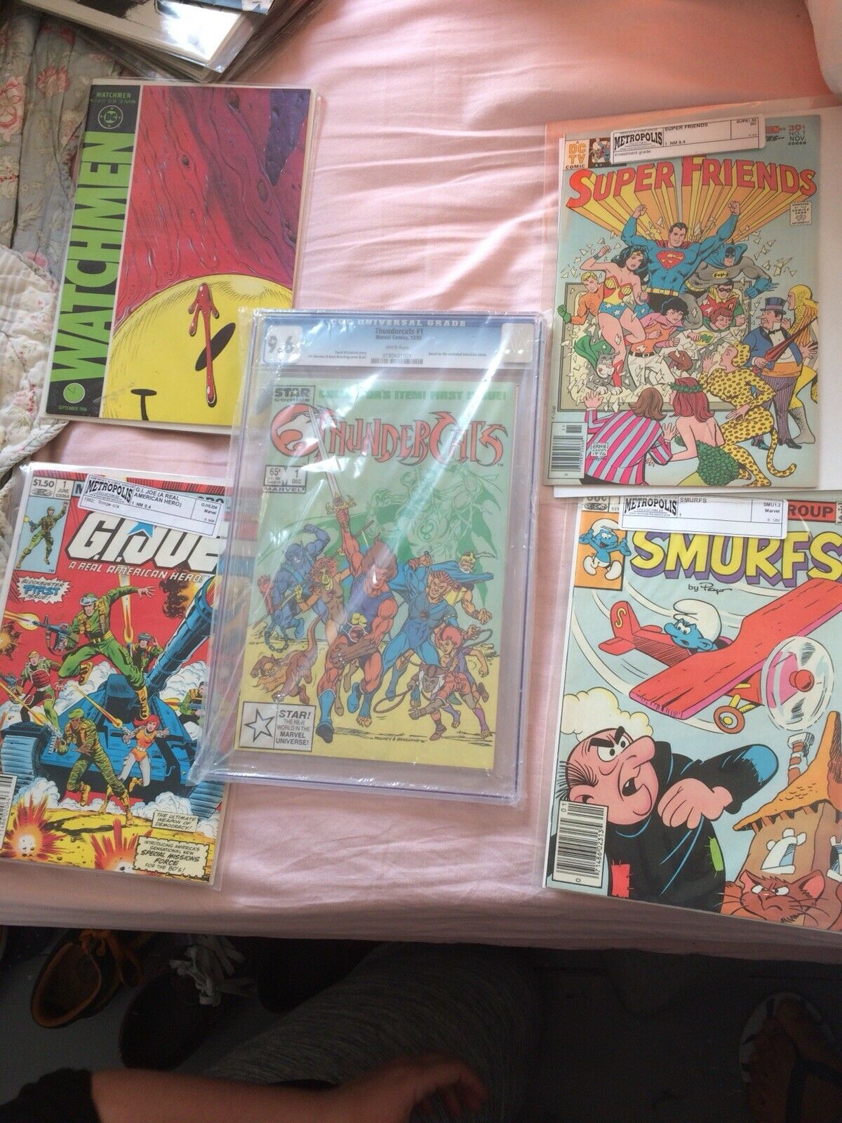 5 comics bundle  Thunder Cats 1 GI Joe Joe Joe 1 Smurfs 1 Watchmen 1 Superfriends 1 4566b2