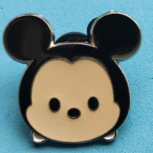 9 I COMBINE THE P/&P .Disney trade pin  MICKEY MOUSE TSUM TSUM