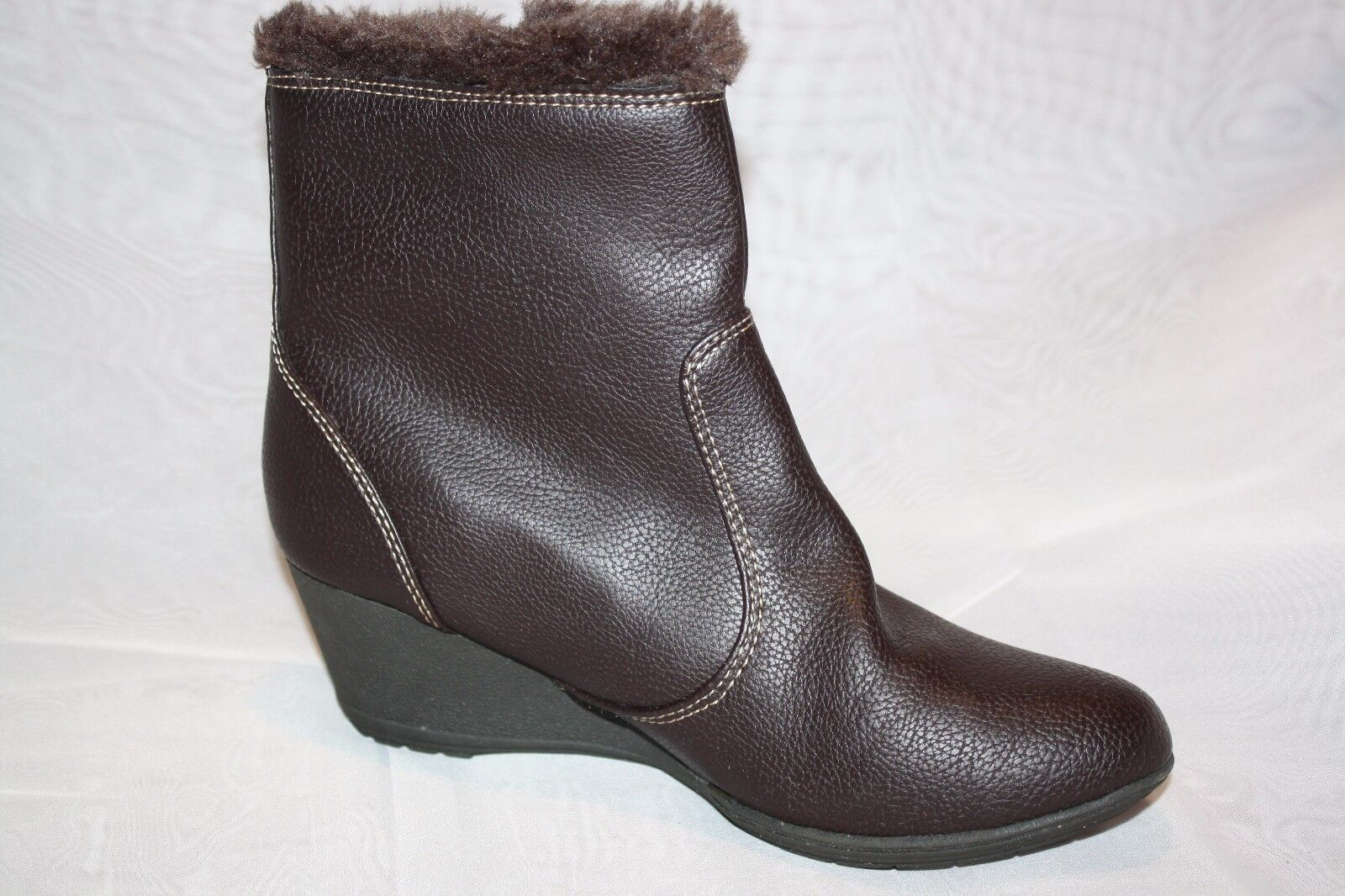 Softspots Odele Brown Faux Fur Trim Wedge Side Zip Ankle Boots Womens Size 6.5 M
