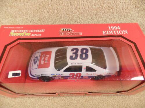 1994 Racing Champions 1:24 Diecast NASCAR Elton Sawyer Ford Credit Thunderbird