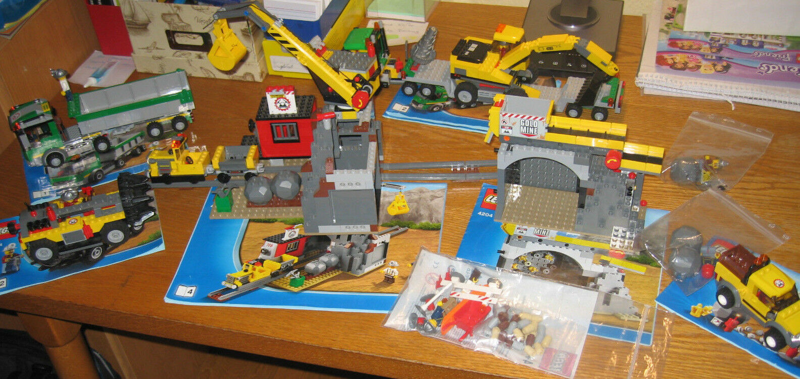 Super Angebot        LEGO City Bergwerk (4204) + 4200 +4201+ 4203 b9d7e1