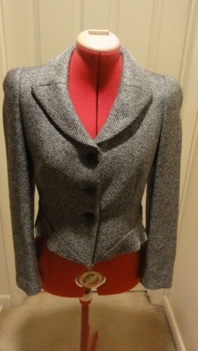 EMPORIO ARMANI BLAZER JACKET GRAY SHORT FITTED EMPASIZED SHOULDERS SIZE 8 or 42
