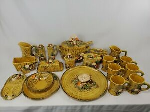 Vintage-Lefton-China-Mushroom-Forest-20-Piece-Set-1970
