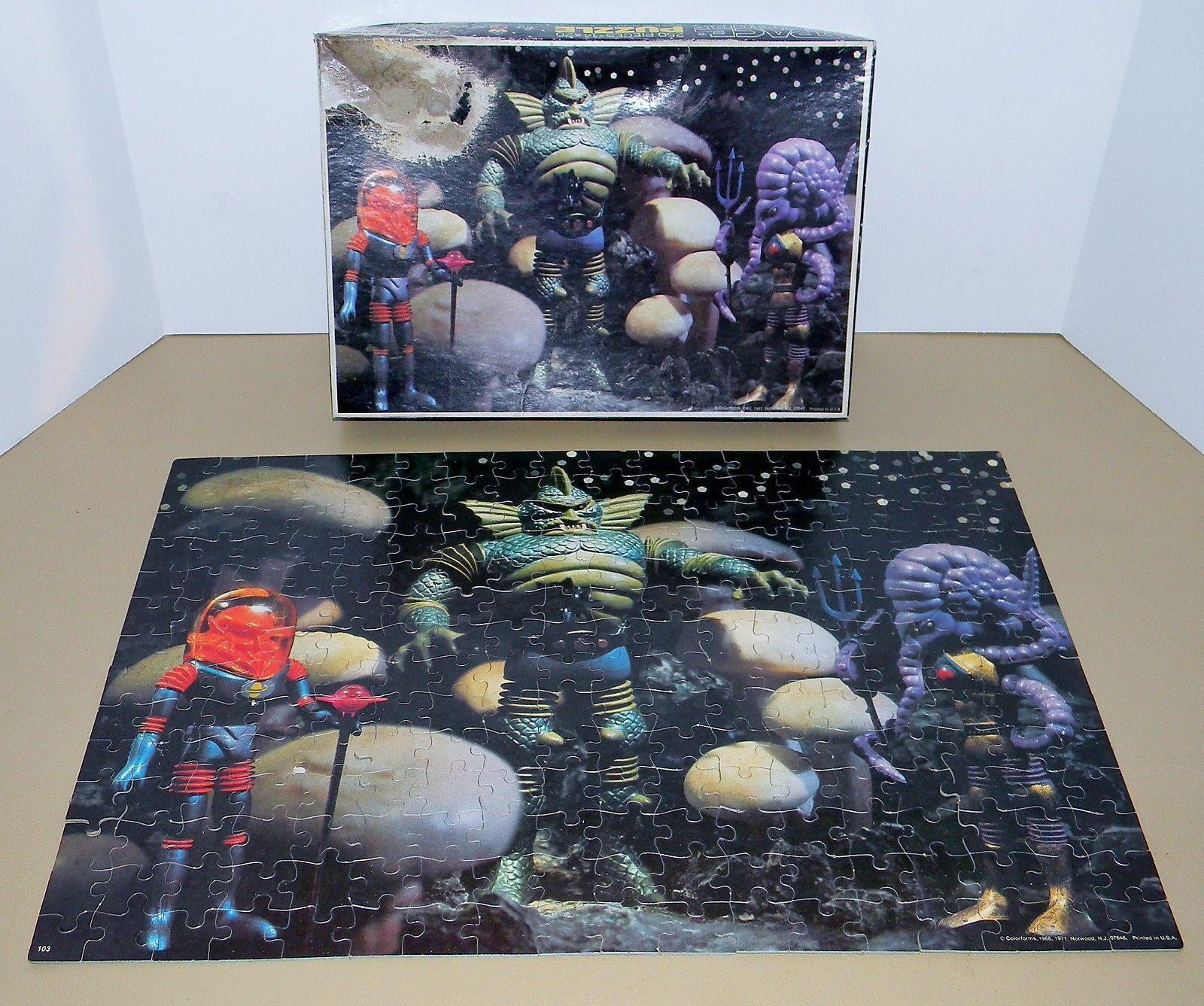 1977 Space Space Space Warriors colorforms Outer Space Man Alien Puzzle Astro Nautilus e33162