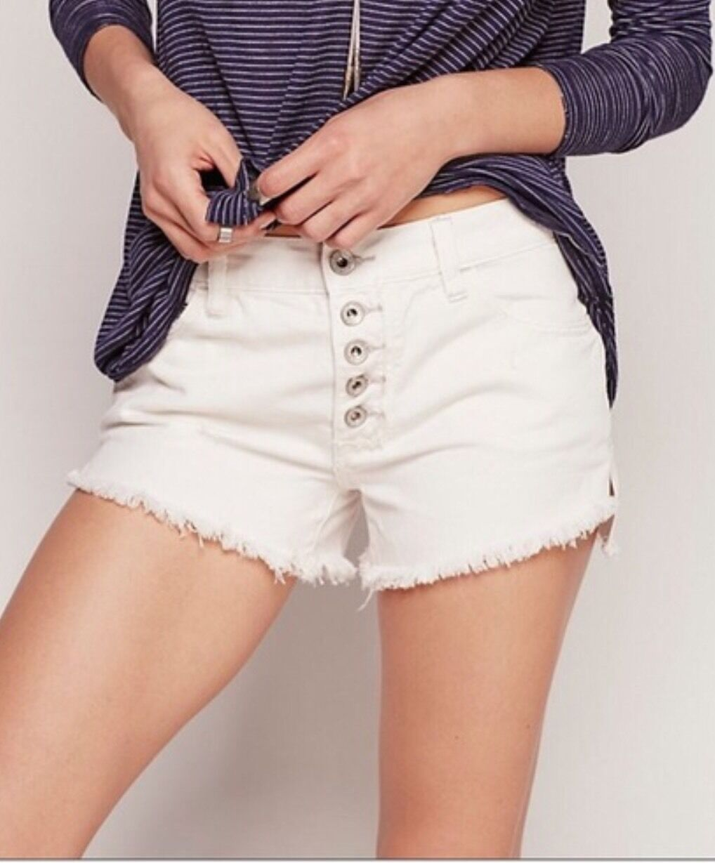 Free People Women's Downtown Cutoffs Button Fly Polar White Size 26 NWT