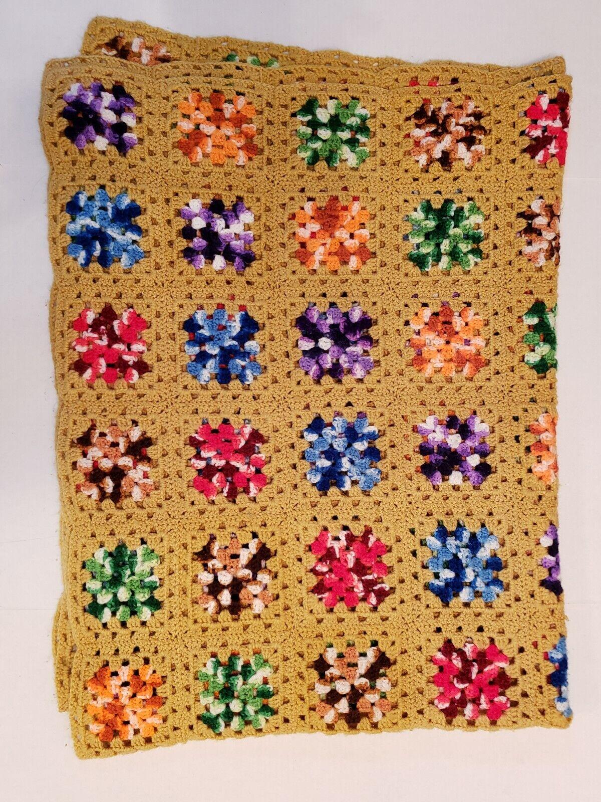 Vintage Hand Knit Granny Lap Couverture MultiCouleure 1970 s Squares Rétro 5 x 6