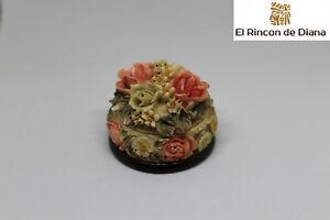 Antigua box JEWELER RESIN, painted hand Years 70 Spain. ø 5,5cm