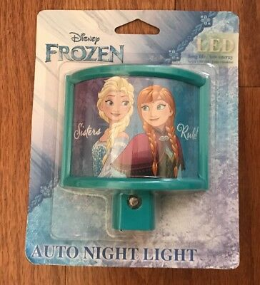 Disney Frozen Anna /& Elsa Sisters Plug In Night Light With Bulb Stocking Stuffer