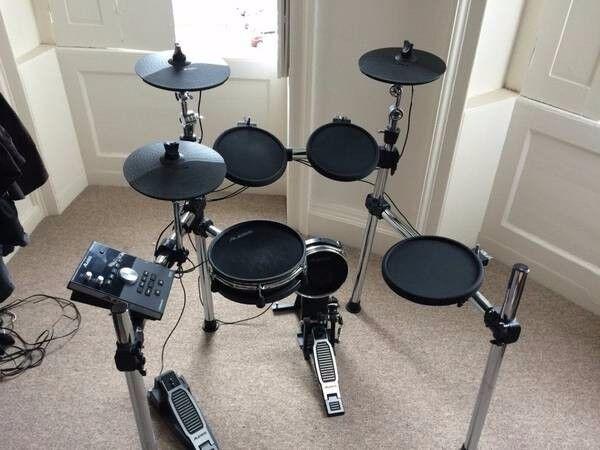 8 paquetes de tambor electrónico del cuartel general de Alexis.