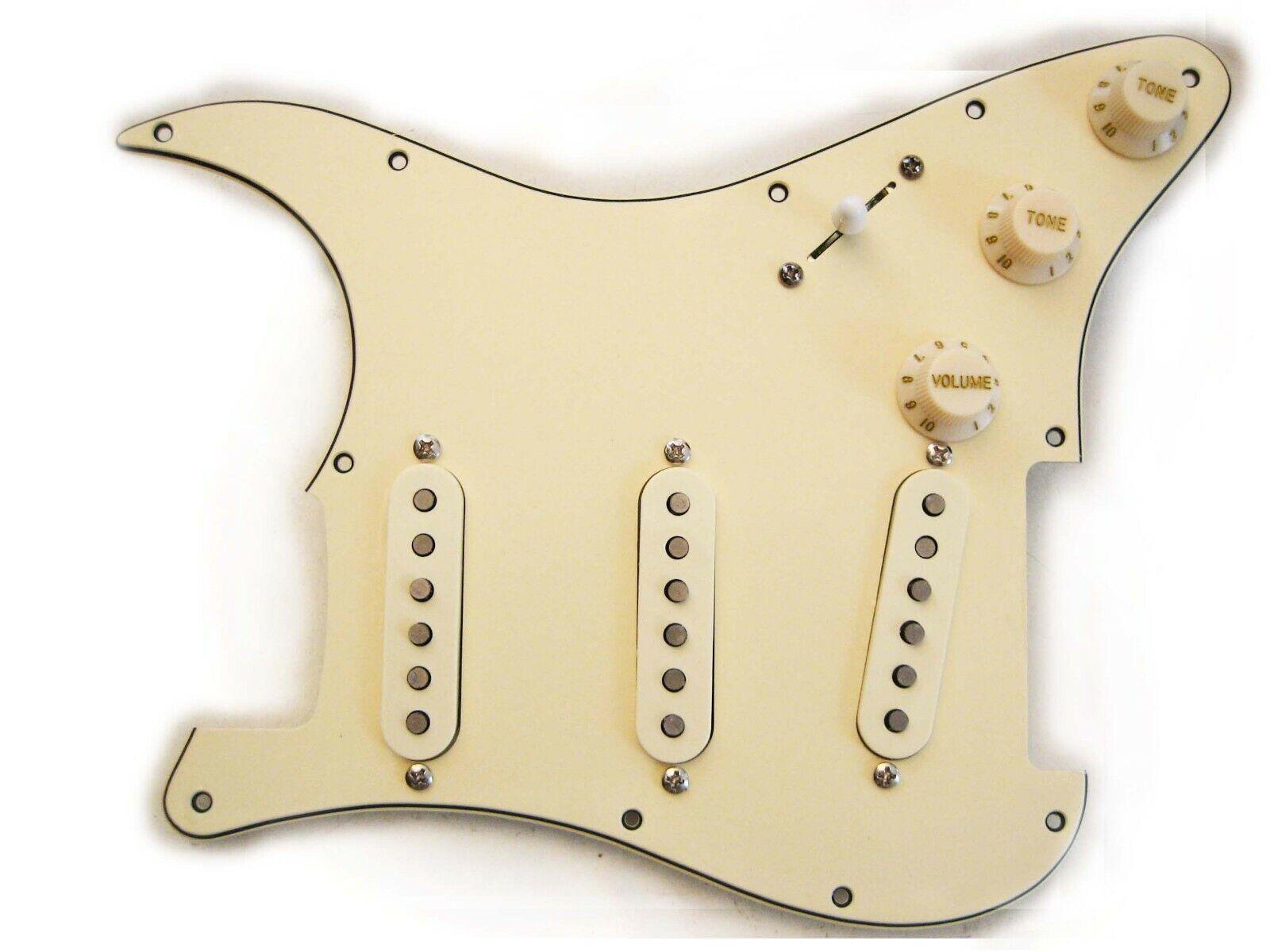 Fender Vintage Noiseless Clapton Loaded Strat Pickguard TBX Mid Boost Aged Cream