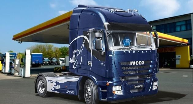 Revell 07423 Iveco Stralis Tactor Unit 1 24 Scale Plastic Kit FREE T 48 Post