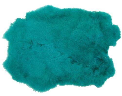 weiches Kaninchenfell türkis gefärbt ca 30x30 cm seidiges Haar
