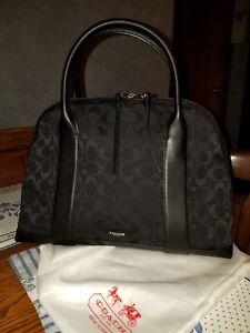 Signature Black Coach Coach Ziptop Handbag n0OwkXP8