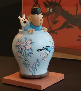 LA ESPOSA DE TROFEO TINTIN y MILOU lotus blue moulinsart hergé coleccionista the