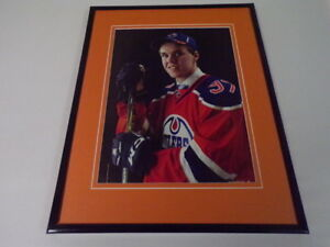 Connor-McDavid-Oilers-Framed-11x14-Photo-Display