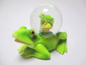 Frosch-Frog-Schneekugel-Tierfigur-Snowglobe-Glitzerkugel-Neues-Design