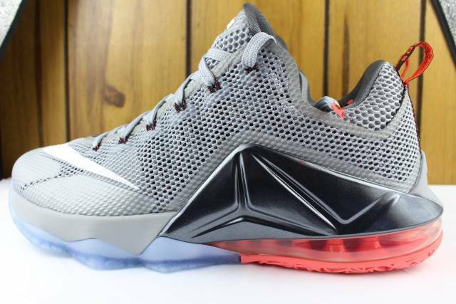 NIKE LEBRON XII 12 Low Hommes Taille 8.5 Neuf Rare Basketball confortable loup gris