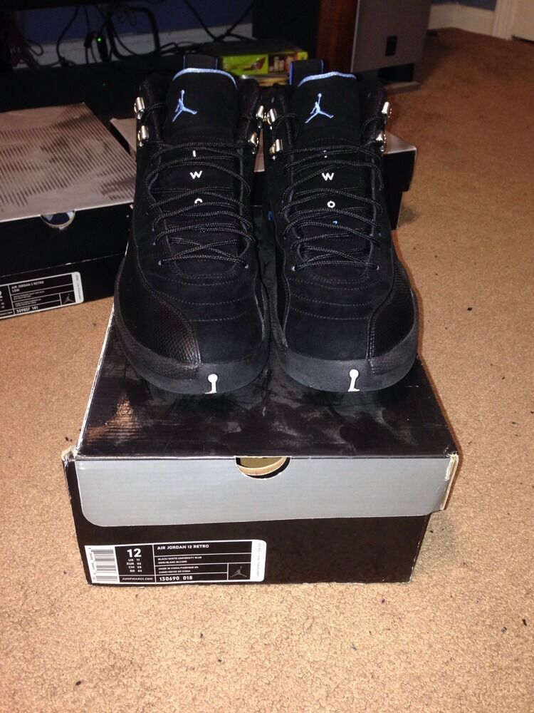 Nike air jordan retro 12    Nubuck  100% Authentic ....Size 12