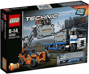 LEGO-Technic-42062-Container-Yard
