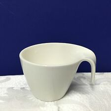FLOW BY VILLEROY & BOCH FINE CHINA METROPOLITAN ALL WHITE CURVED HANDLE CUP MUG