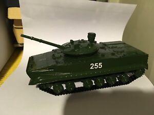 BMP 3F en resine de marque SMM 1/43 - France - État : Neuf: Objet neuf et intact, n'ayant jamais servi, non ouvert. Consulter l'annonce du vendeur pour avoir plus de détails. ... - France