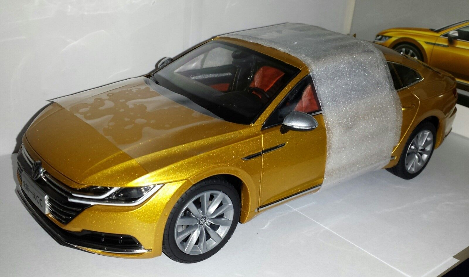 Paudi 1 18 Volkswagen Arteon nieuw in VW dealer doos