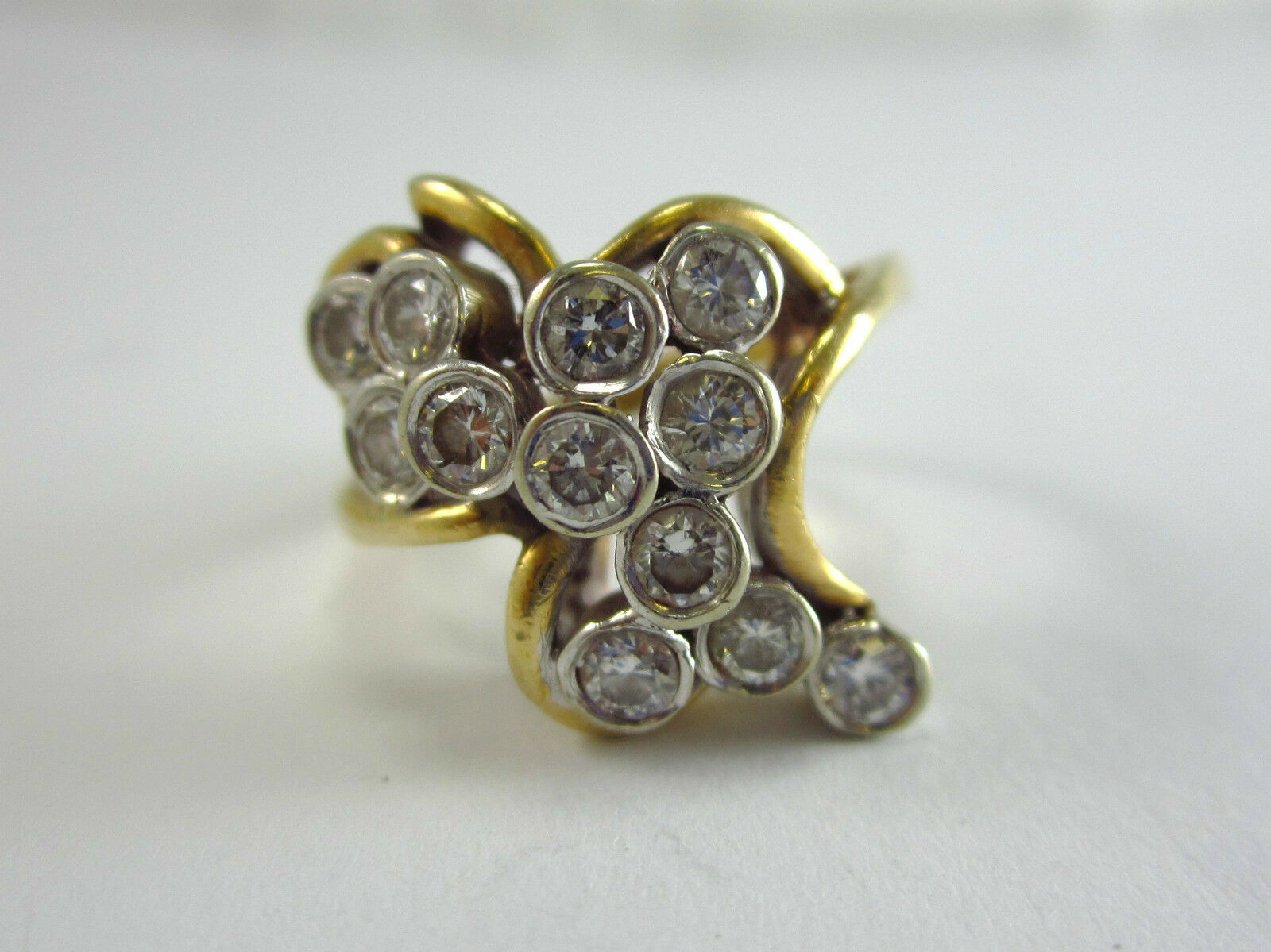 BEAUTIFUL LADIES 14K YELLOW gold DIAMOND CLUSTER STYLE RING 5.8G 0.36CT. SZ 6