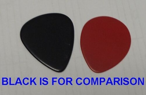 25 GIBSON GUITAR PICKS LATE 90/'S  351 TEAR DROP TYPE IN RED PURE THIN .42 mm