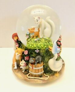 RARE-Disney-The-Aristocats-Musical-Snow-Globe-Plays-Everybody-Wants-To-Be-A-Cat