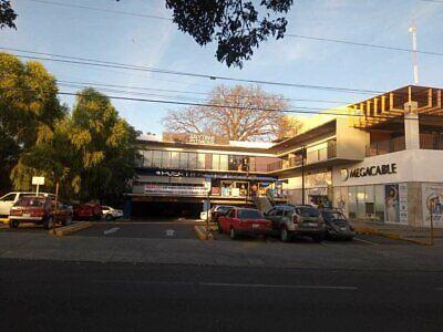 Local Comercial 10 PA en Renta en Plaza Stahl, Colima