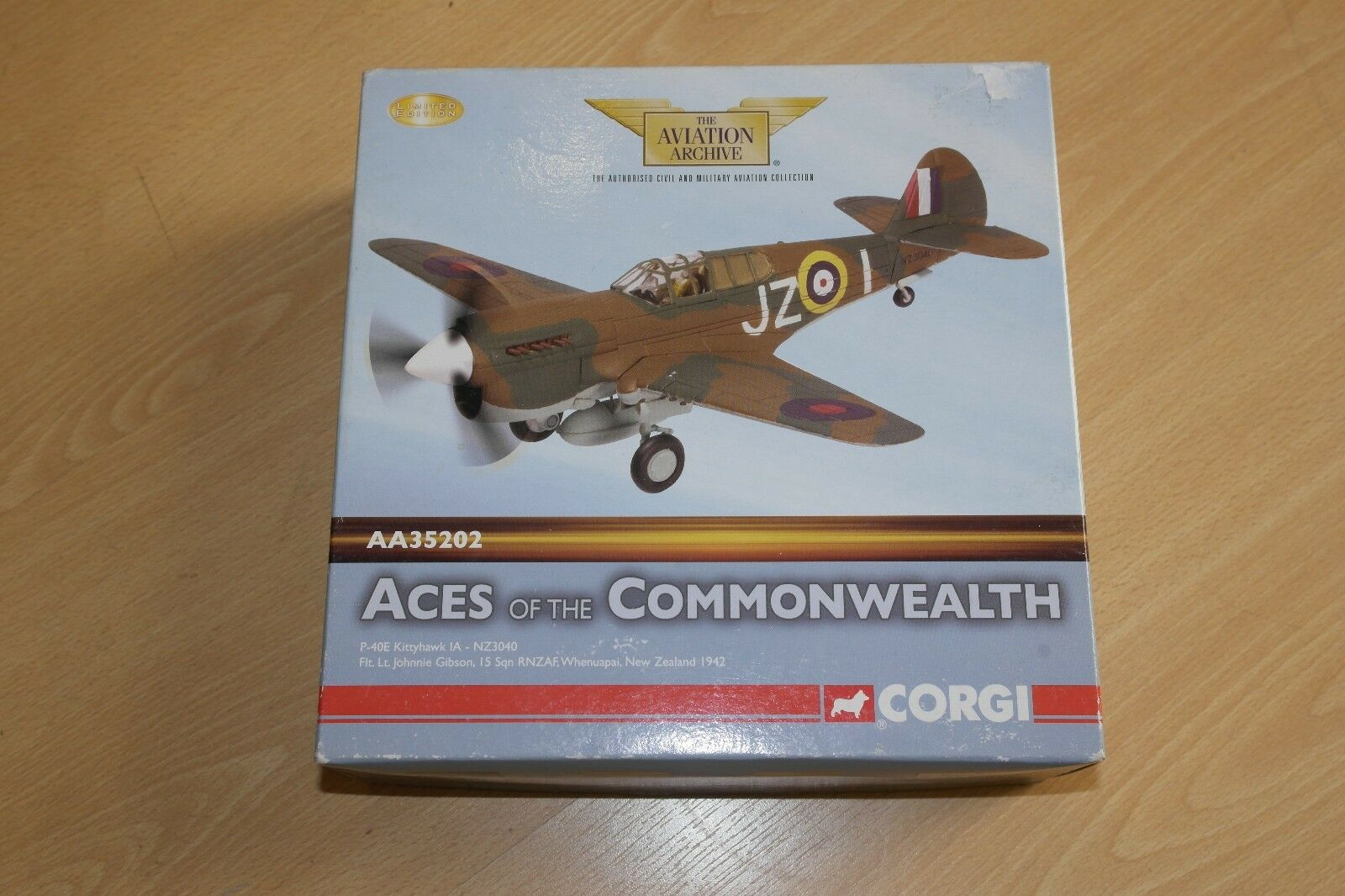 Corgi Aviation 1 72 Aces of the Commonwealth P-40E KITTYHAWK 1 A-NZ3040 NZ 1942