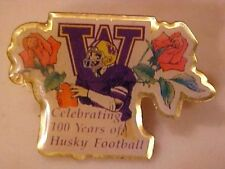 UNIVERSITY OF WASHINGTON HUSKIES 1990 LAPEL PIN 100 YRS FOOTBALL UNSOLD STOCK