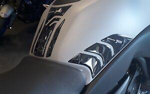 Kit-di-3-adesivi-serbatoio-moto-in-resina-gel-3D-compatibile-Yamaha-Tracer-700