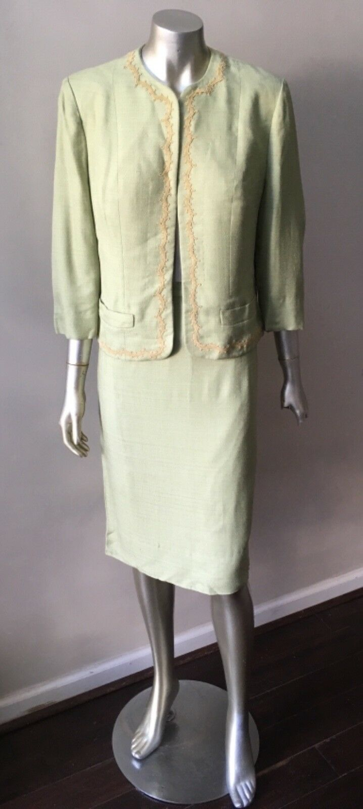 Embroidered Silk 2 Piece Vintage 70s Pencil Skirt Seafoam Green Suit Size M