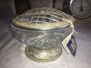 Vintage-Queen-Anne-Crystal-Glass-Vase-Bowl-Posy-Rose-Flower-with-Metal-Grill-Top