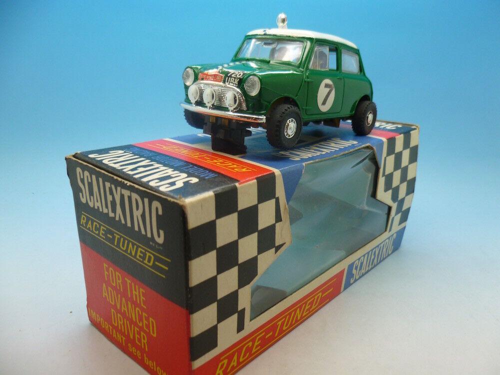 Scalextric C7 Rally Mini Cooper en verde, condición de súper y en caja