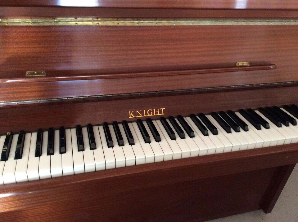 Klaver, andet mærke, Knight