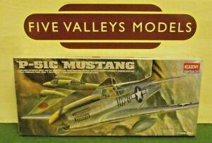 #280519/12 Academy 1616 P-51c Mustang échelle 1:72 RafraîChissant Et BéNéFique Pour Les Yeux